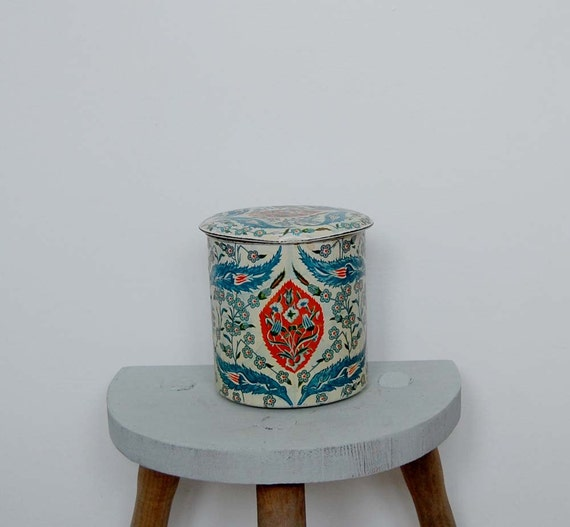 Vintage Oriental Style Tin