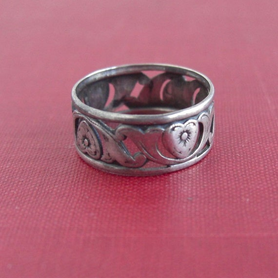 Vintage Sterling Silver Floral & Heart Band Ring