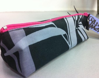 Bamboo print zip case with vintage fabric