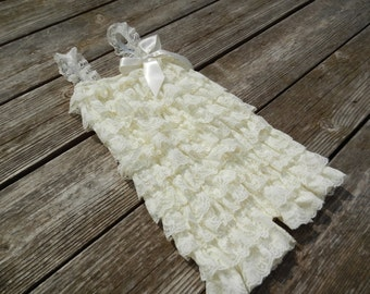 Ivory Petti Romper, Lace Romper, Baby Romper, Photography Prop, Birthday Outfit, Pettiromper, Baptism Outfit, Newborn Coming Home Outfit