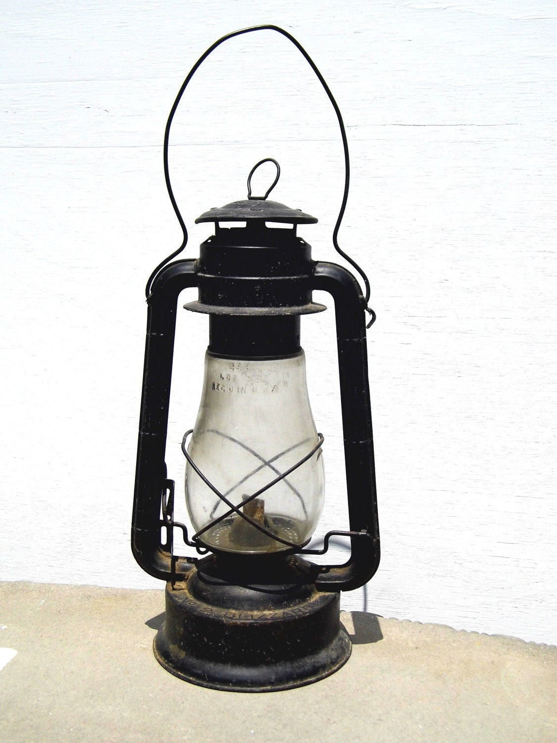 dietz lantern vintage lantern railroad lantern antique. Black Bedroom Furniture Sets. Home Design Ideas