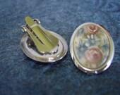 1960s  Vintage Floating Floral Clip On Earrings