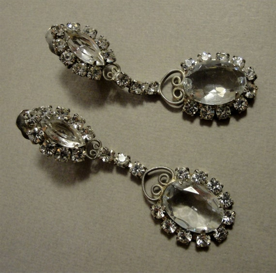Vintage Juliana Earrings Long Dangle Rhinestones in clear unfoiled and clip on backs just stunning almost 3 inches bridal wedding jewelry