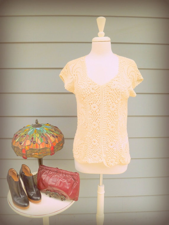 Vintage ivory crochet short sleeve top