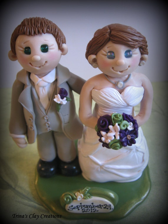 Bride and Groom Wedding Cake Topper with Date Plaque Personalized Polymer Clay Topper/Keepsake