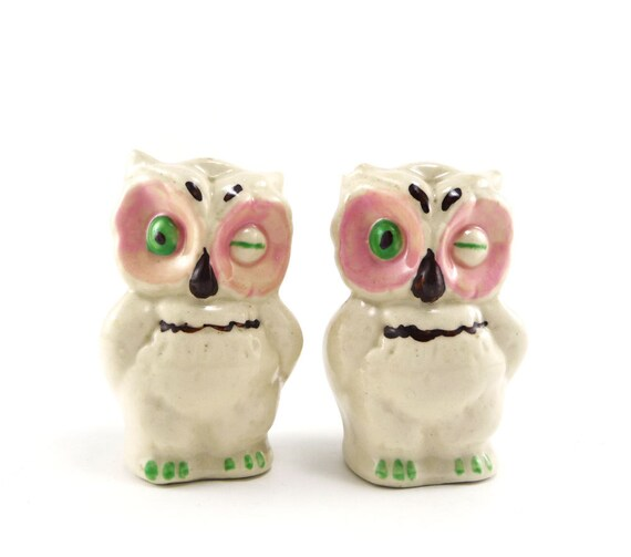 Owl salt pepper shakers - vintage green eyed Shawnee pink white mint green