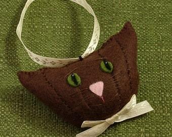 Christmas Cat Ornaments, Christmas Cats, Felt Christmas Ornaments, Havana Brown Cats, Chocolate Delights, Cat Christmas Ornaments, TOASTY