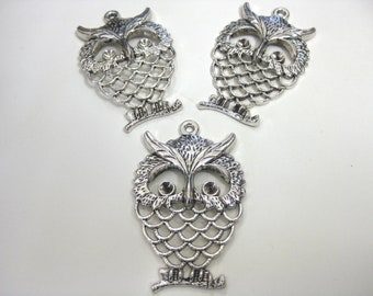 Owl Pendant  in Antiqued Silver  x 10 pcs Large 58mm
