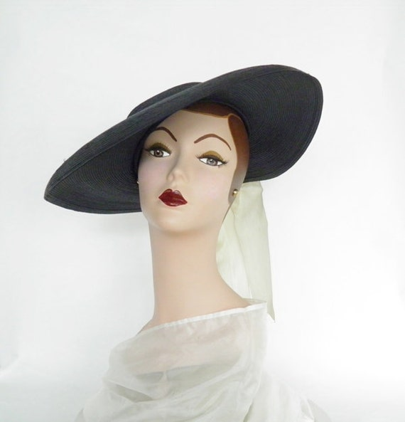 Vintage 1940s hat, cartwheel picture hat, navy with white ribbon
