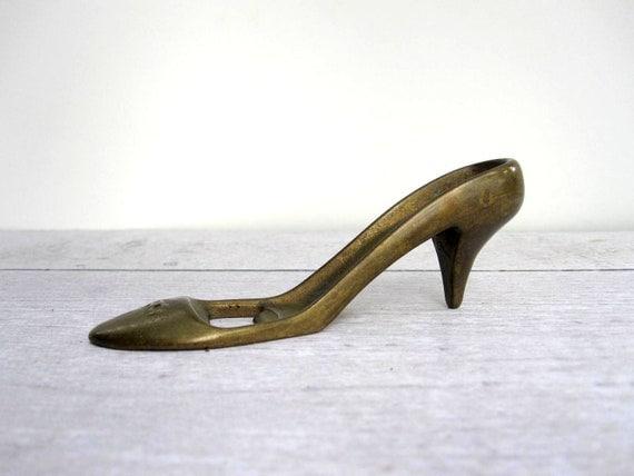 high heel shoe bottle opener brass barware by lovebutlervintage. Black Bedroom Furniture Sets. Home Design Ideas