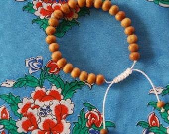 Tibetan Sandalwood Wrist Mala/ Bracelet for meditation White string