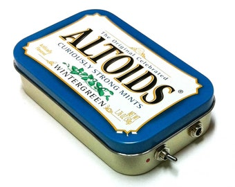 Portable Amp and Speaker for iPhone MP3 Player -Altoids Blue/Red