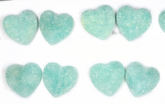 Lovely 2 Pieces Green Heart/ love Calibrated Druzy Agate Pendant Bead 15x15mm B32DR4290