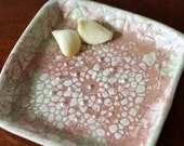 Garlic and Oil Plate - Garlic or Ginger Grater - Lace Garlic Dish