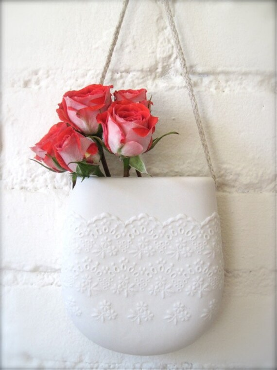 Porcelain Flower Lace Hanging Wall Pocket