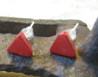 small red triangle post earrings