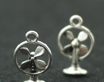 Antique Silver Metal Fan Charm Pendant 12x18mm - 10pcs (3044)