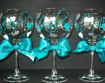 Personalized Wedding Party Wine Glass Hearts
