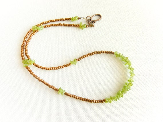 August birthstone necklace Peridot Green bronze simple beaded jewelry