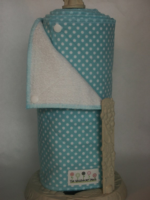CLEARANCE Ready to Ship - Snapping UnPaper Towels - Aqua Dot