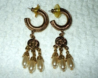 Ornate Gold Tone and Pearl Dangle Drop Filigree Bohemian statement Earrings Vintage Pierced