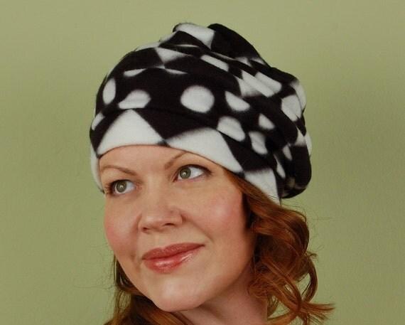 CUPCAKE SWIRL- Licorice Drop - size M/L- polar fleece winter hat