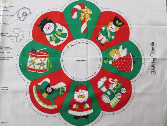 Vintage Christmas Wreath, Sew and Stuff Wreath, Fabric Wreath, Printed Fabric Wreath to Be Sewn, Christmas Decor
