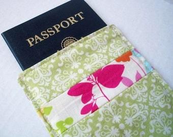 Passport Sleeve - Pretty in Green