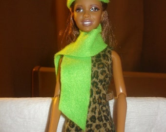 Fashion Doll Coordinates - Lime green hat, scarf and mitten set - es121