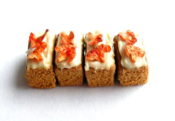 4 Pumpkin Cake Slices