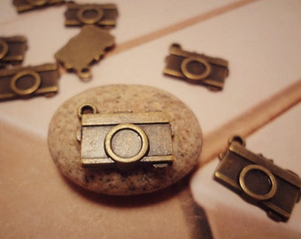 10pcs Antiqued Bronze Vintage Style Travel Camera Theme Charms Pendants Drops HK9112-H34