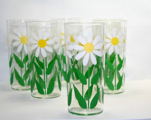 Daisy Flower Drinking Glasses, Crazy Daisies Tall Vintage Glass Tumblers set of 6