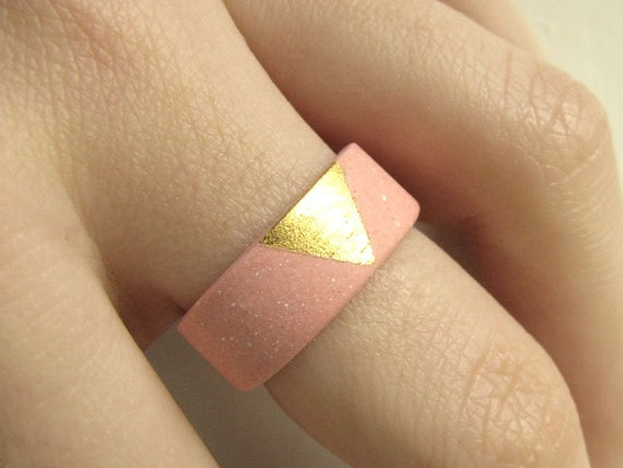 Gilded Jewelry - Gold and Pink Porcelain Sunset Ring - Size 7.5 - Size P