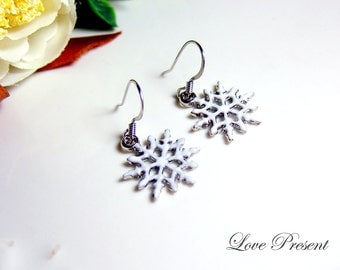 Black Friday Sweet White Snowflake Earrings - Prefect Gift