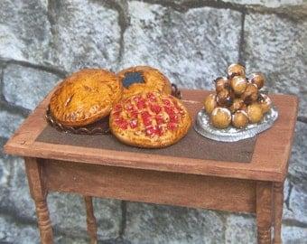 Dollhouse Miniature Medieval Food PIE PASTRY DESSERT Thanksgiving Victorian Tudor