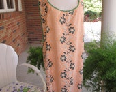 Nostalgic 1940s Wraparound Apron Peach Flowered Cotton