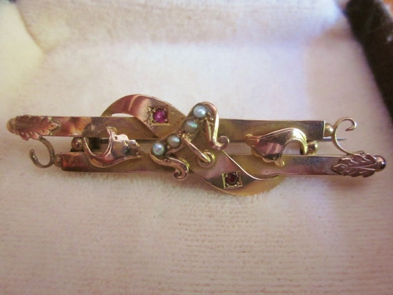 Antique Gold 9 ct. Victorian bar pin with Seed Pearls and Rubies