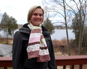 Fashionable Quilted Scarf - Strawberries and Cream