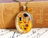 The Kiss - Vintage Necklace