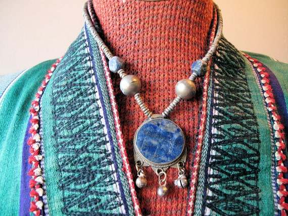 Vintage Tribal Choker Necklace with Round Lapis Lazuli Pendant from Afghanistan