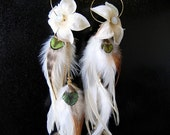 4005 Long Natural Feather Earrings Natural Cream Peacock Feather Flower