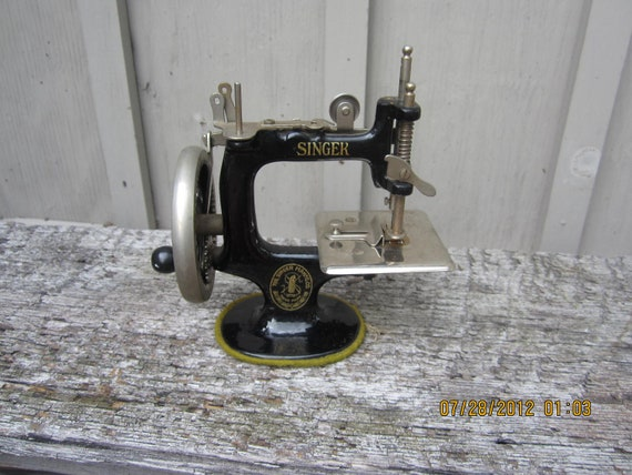 antique singer sewing machine manual