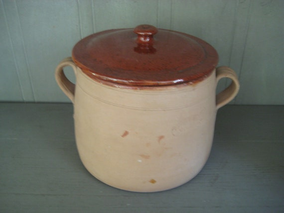 French Clay Bean Pot with Lid Reserved