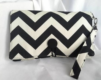 Diaper Wipe Clutch WRISTLET - Black and White Chevron- ZigZag  Organize your Diaper Bag