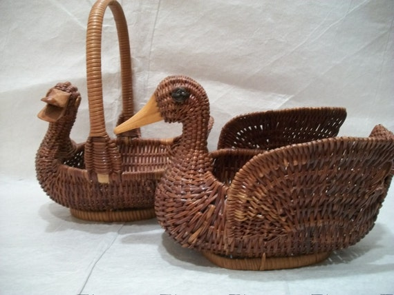 Vintage Wicker Duck Baskets, Set of 2 Brown Wicker Duck Baskets, Country Decorative Baskets,