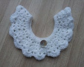 White crocheted collar 11 inch circumference