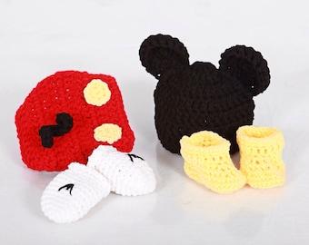 Crochet newborn 4 piece set Mickey Mouse outfit photo prop, newborn boy, newborn prop