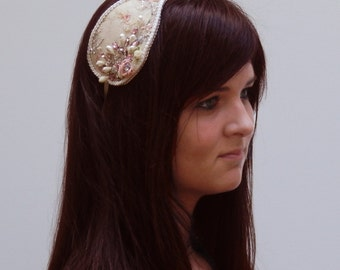 Lovely romantic headpiece in cream and many other colors completly hand made