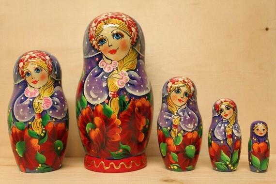 Nesting  Dolls Matryoshka  dolls with red poppies babushka dolls set of 5