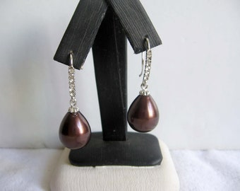 Chocolate Teardrop Shell Pearl Earrings